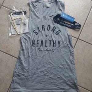 💪🏽2 FREE GIFTS💪 w/purchase BEACHBODY muscle tee
